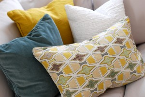 accent pillows color design living room